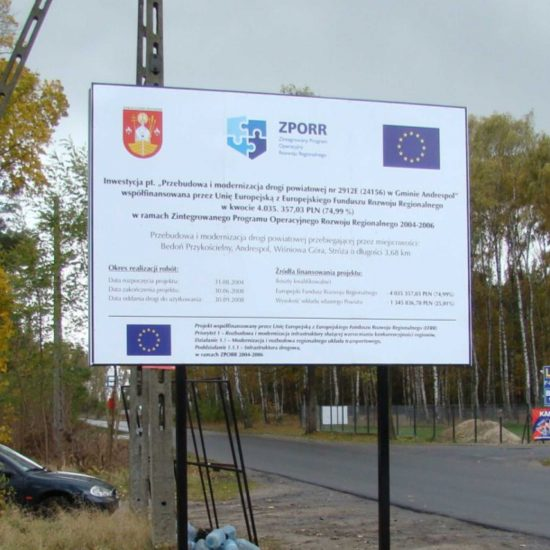tablica unijna informacyjna ze stelazem