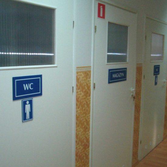 tabliczki na drzwi wc